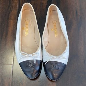 Chanel ballerina flats - white with black tip